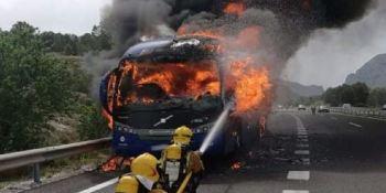 incendia, autobús, circulaba, pasajeros, AP-7,