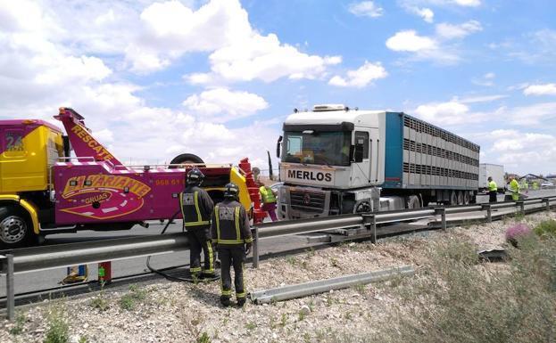 accidente, camión, transporte, ganado, autovía, A-7,