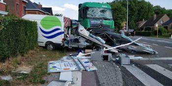 camionero, colisiona, coches, autobús, heridos, huye, desnudo, anfetaminas,