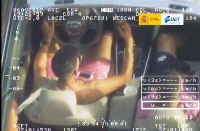 conductor, pillado, grabando, vídeo, DGT, helicóptero,