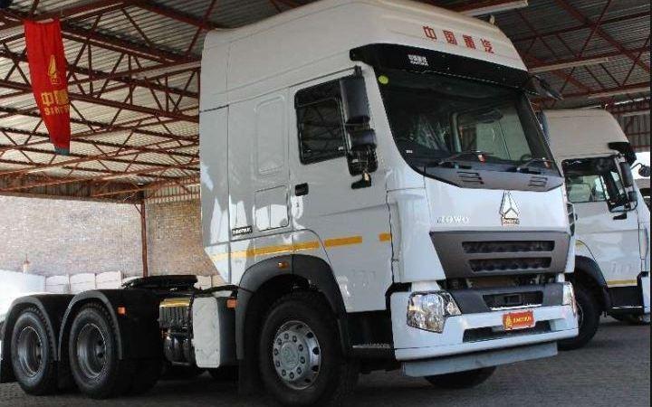 fabricante, chino, Sinotruck., camiones, mercados, nuevos,