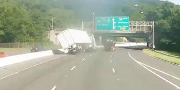 vídeo, imprudencia, carretera, vuelco, camión,