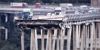 Italia, recuerda, derrumbe, puente, Morandi, Génova año,