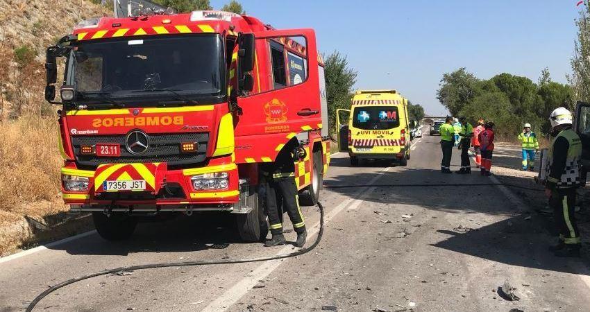 heridos, grave, colisión, coche, camión, Madrid,