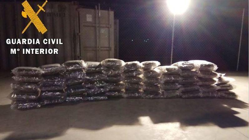 detenidas, personas, transporte, droga, camiones,