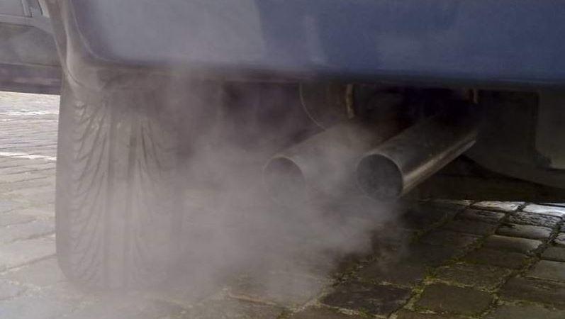 U.E. acuerdo, reducción, emisiones contaminantes, coches, 2.030