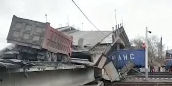 línea, ferroviaria, transiberiana, camionero, herido, derrumbe, puente,