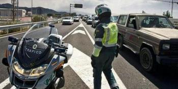DGT, apuesta, vigilancia, uso, móvil, control, carreteras, convencionales,