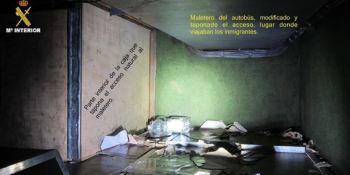 ocultos, doble, fondo, detenido, conductor, autobús, Melilla, inmigrantes,