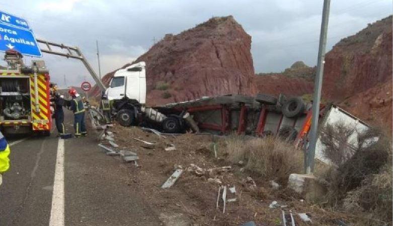herido, camionero, salirse, vía, A-7, Murcia,