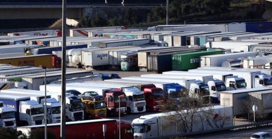 restrcciones, camiones, Consticución, arrancamos, camioneros, Gobierno,
