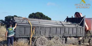 tres, detenidos, robo, camión, toneladas, hierro,
