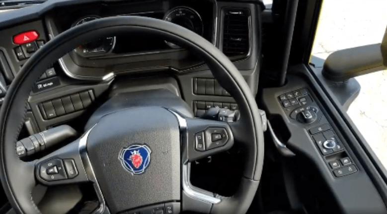 Scania S620 V8, modelo, camión, vídeo, tapizado, cuero, curiosidades,