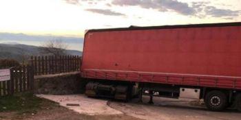 trailer, bloqueo, carretera, El Acebo, Molinaseca, sucesos,