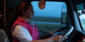 3.200 kilómetros, carmín, toneladas, mujer, camionera, México, reportajes, sociedad, transporte internacional,