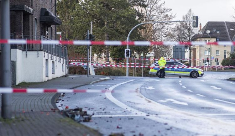 Alemania, atropello, conductor, xenofobo,, inmigrantes, calles,
