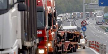El País Vasco levanta las restricciones a la circulación de camiones el Puente de la Constitución