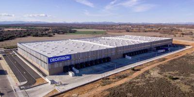 Decathlon, inaugura, centro, logístico, polígono, Villadangos, León,