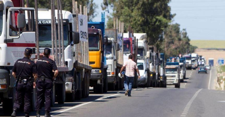 caravana, camiones, contra, cierre, factoría, Ence, Pontevedra,