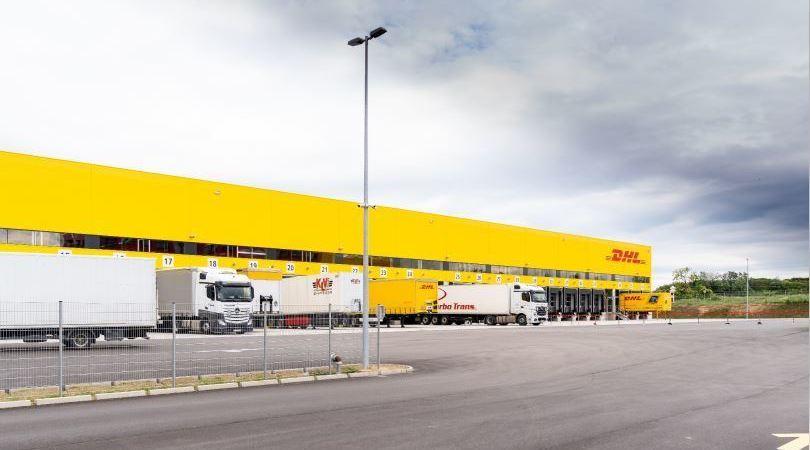 DHL, abre, centro, logístico, aeropuerto, Viena,