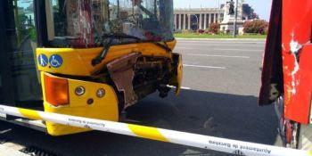 heridos, colisión, autobuses, moto, Barcelona,