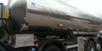 investigan, muerte, trabajador, encontrado, dentro, cisterna, camión, leche,