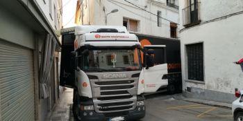 camión, atascado, calle, Sant Pol de Mar, fotos,