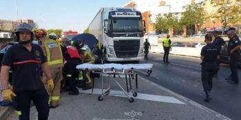 heridos, colisión, camión, turismos, Sevilla,