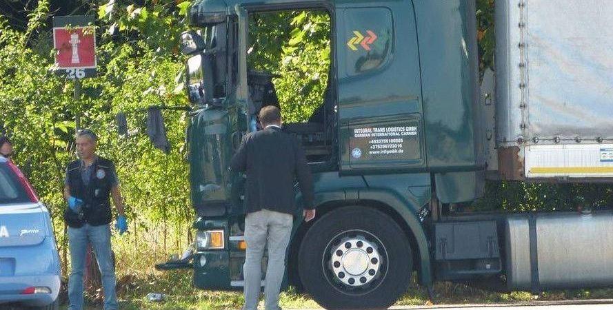 Localizado, muerto, camionero, interior, cabina, vídeo,