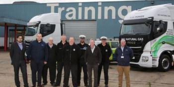 IVECO UK, formación, entrenamiento, agentes, carreteras, policía inglesa,