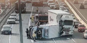accidente, dos camiones, retenciones, A-2,