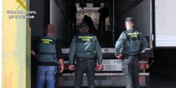 dos, detenidos, interceptar, camión, 70 kg, marihuana, fotos,