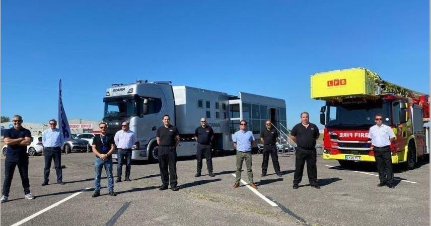 Scania, forma, bomberos, Londres, manejo, nuevo camión,