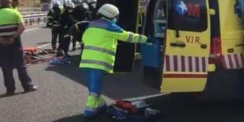 El conductor de un camión resulta herido grave en la M-50