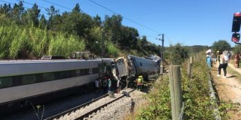 2 fallecidos y 25 heridos en un accidente ferroviario en Portugal