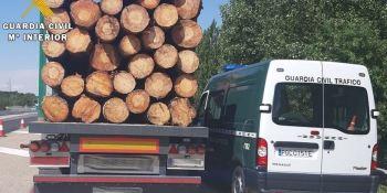 El camionero fue multado al superar en 9.300 kg la MMA