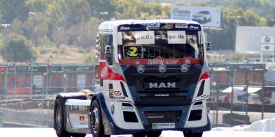 Comportamiento ejemplar del público en el circuito del Jarama durante las carreras de camiones