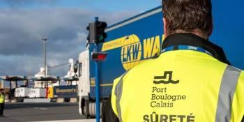 La empresa que gestiona el Puerto de Calais no quiere pagar los controles a los migrantes en camiones