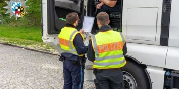 Multas de 10.000 y 18.907 a dos empresas por manipulación de los tacógrafos