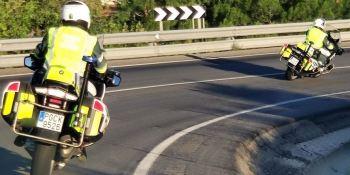 Un kamikaze drogado huye 16 kilómetros de la Guardia Civil al volante de un tráiler