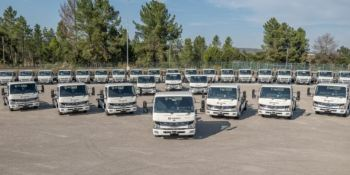 DB Schenker amplía su flota eléctrica con 36 nuevos vehículos FUSO eCanter