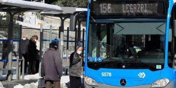 Almeida anuncia que los autobuses serán gratuitos en Madrid de lunes a miércoles y pide no usar el coche
