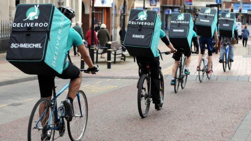 """Deliveroo defiende que no tiene relación laboral con los """"riders"""" y recurrirá la sentencia"""