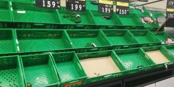 Lo supermercados españoles desabastecidos porque no llegan los camiones