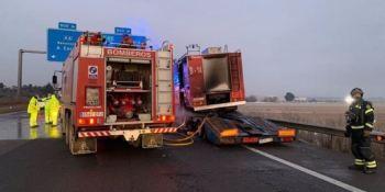 Fallecen 3 camioneros atropellados por un camión en la A-62 en Tordesillas