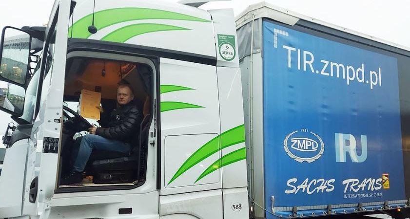 Un transportista polaco demuestra el TIR como solución a los problemas aduaneros del Brexit