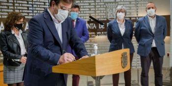 La Junta y los agentes sociales firman la Estrategia Logística de Extremadura