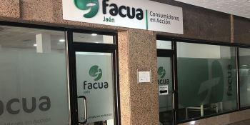 Facua recibió casi un 30% de denuncias sobre aerolíneas y empresas en 2020