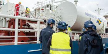 Repsol realiza el primer bunkering de GNL en el Puerto de Cartagena
