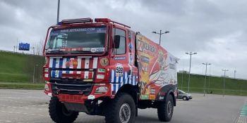 El equipo de Tele Radio y Firemen Dakar lleva el rally a nuevas alturas